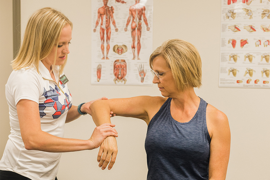 Shoulder Pain Therapy at Elevate Therapy